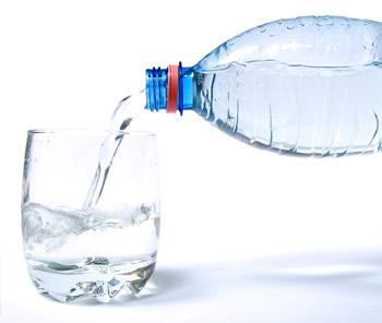 8 motivos para beber água